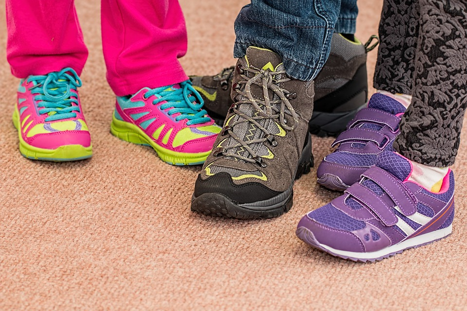 childrens-shoes-700069_960_720